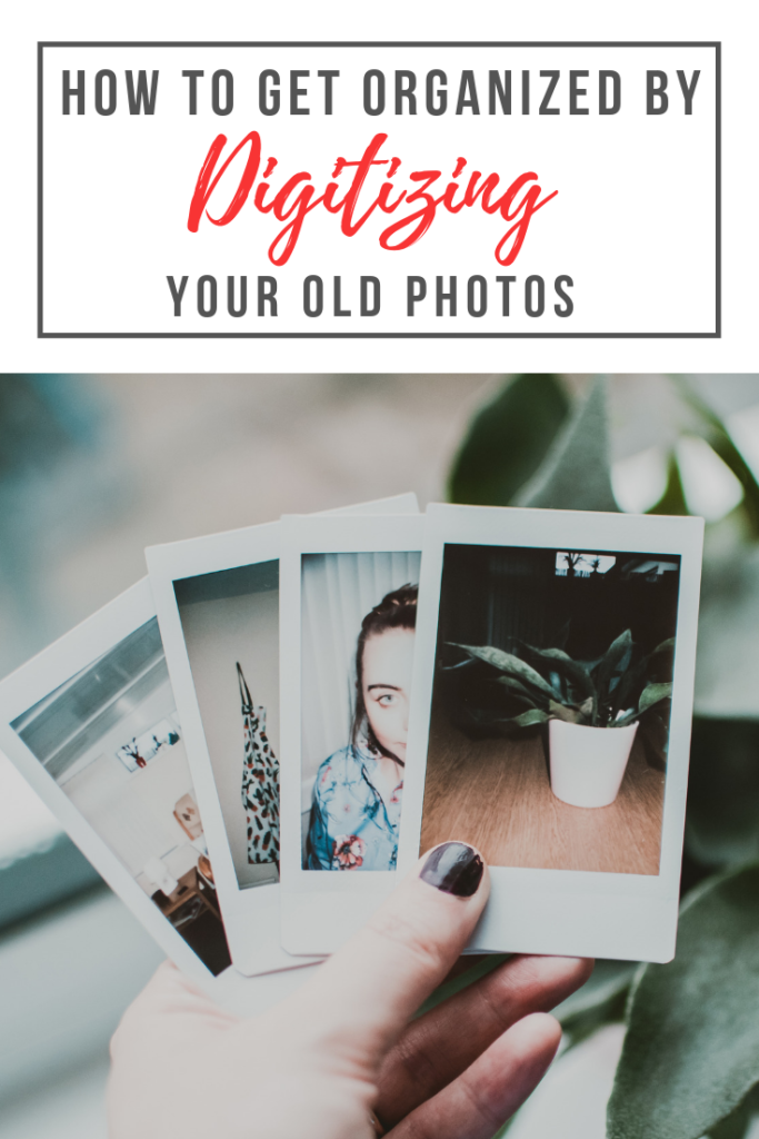 Do you have boxes of old photos that are gathering dust? Then it's time to get organized and digitize them, they will be so much easier to manage and take up less space! Read on for some tips on how to begin the process of organizing and digitizing your old photos!